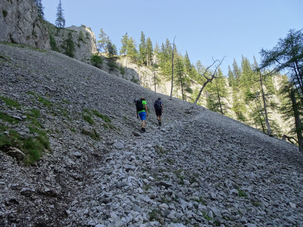Trail towards the via ferrata