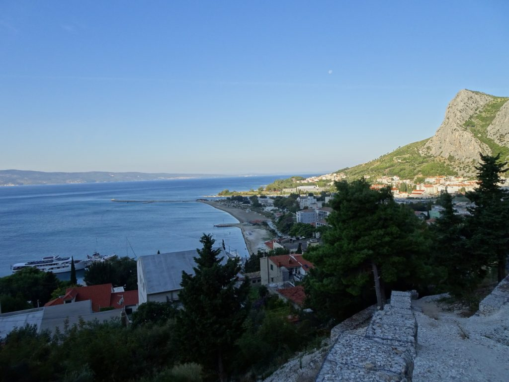 View back to Omis