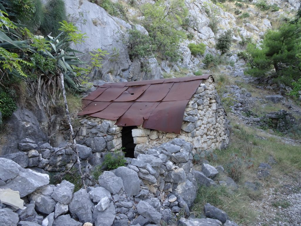 Old shelter next to the trail