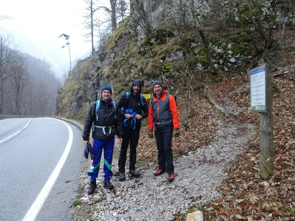Herbert, Stefan and Hannes at the start of the trail