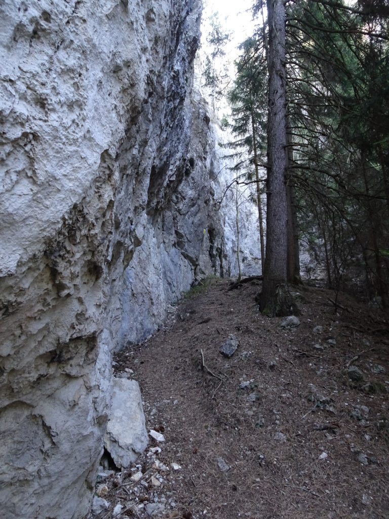 towards entrance of Kleine Klause