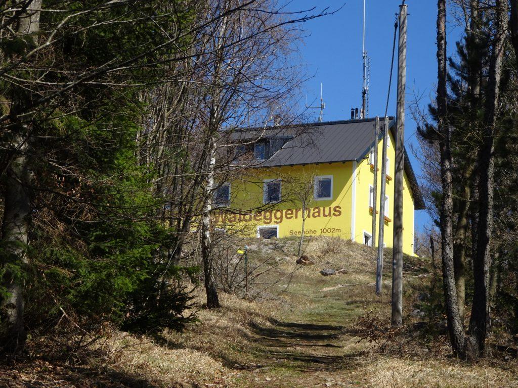 Approaching the Waldeggerhaus