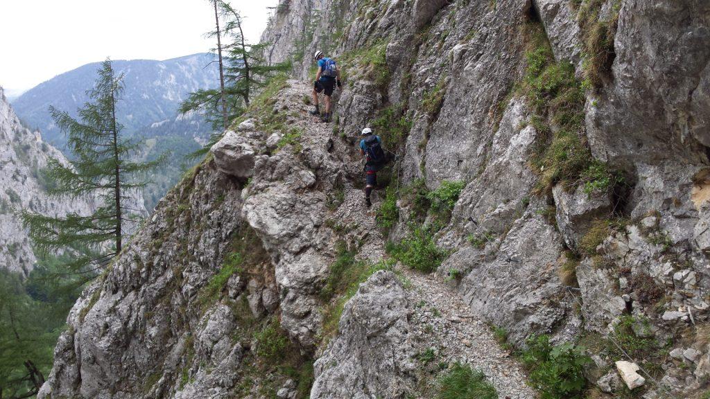"Stefan and Robert on the traverse towards ""Teufelsbadstube"""