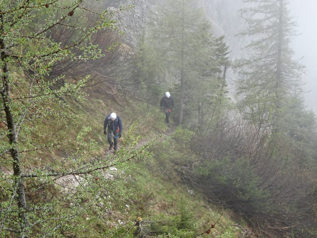 Nader and Hannes on the trail