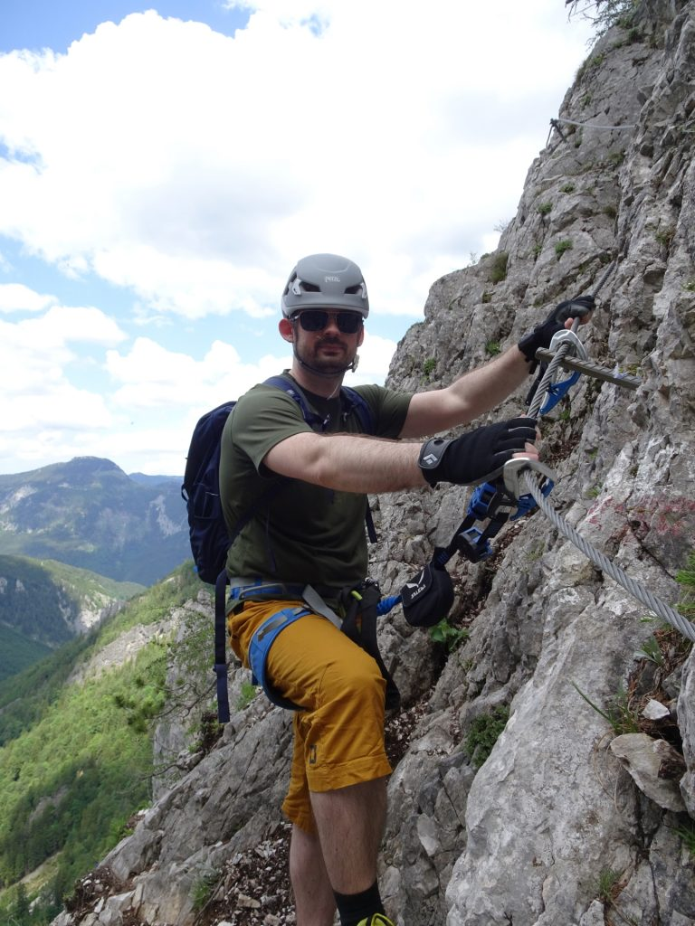 Predrag on the very exposed traverse (B)