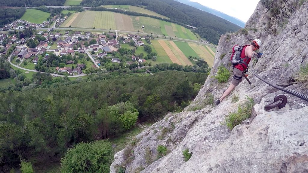 Hannes passing the exposed traverse