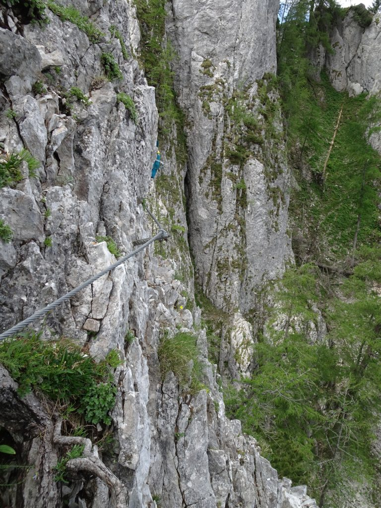Exposed traverse at beginning of Wildfährte