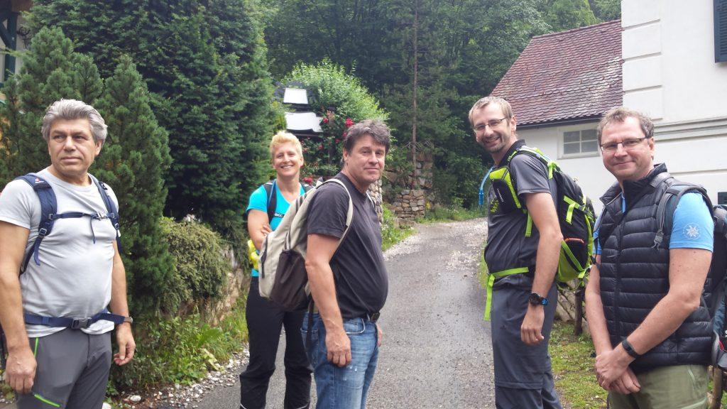 Nader, Nadija, Robert, Stefan, Hannes are ready to go