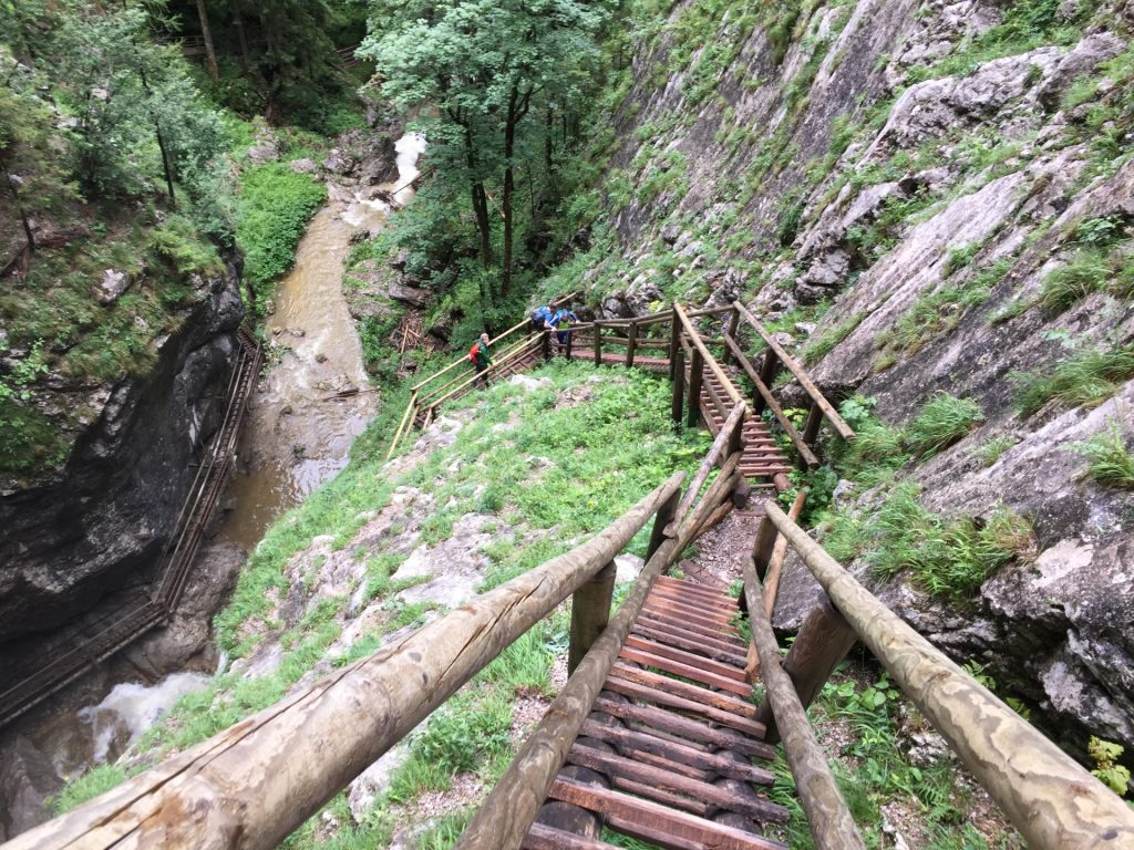 The steep passage up to the upper part of the big waterfall