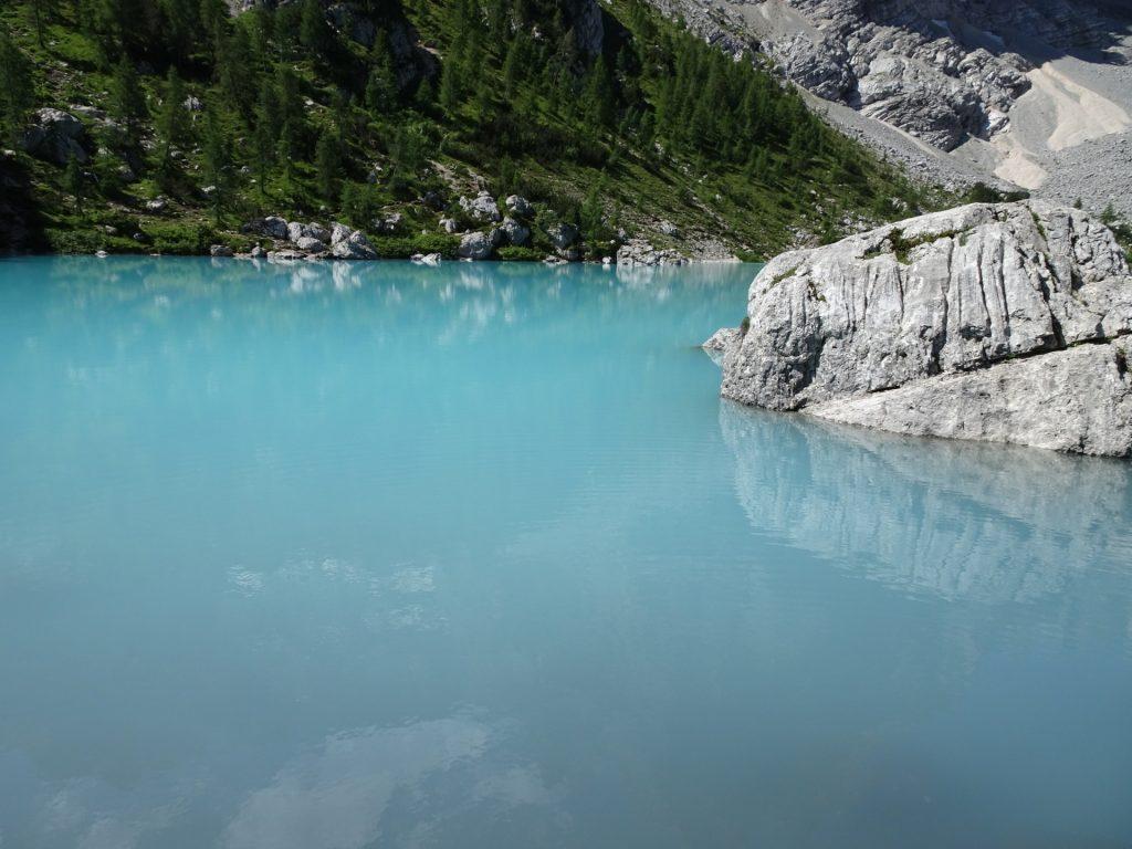 "The stunning ""Sorapis lake"" (Largo del Sorapis)"
