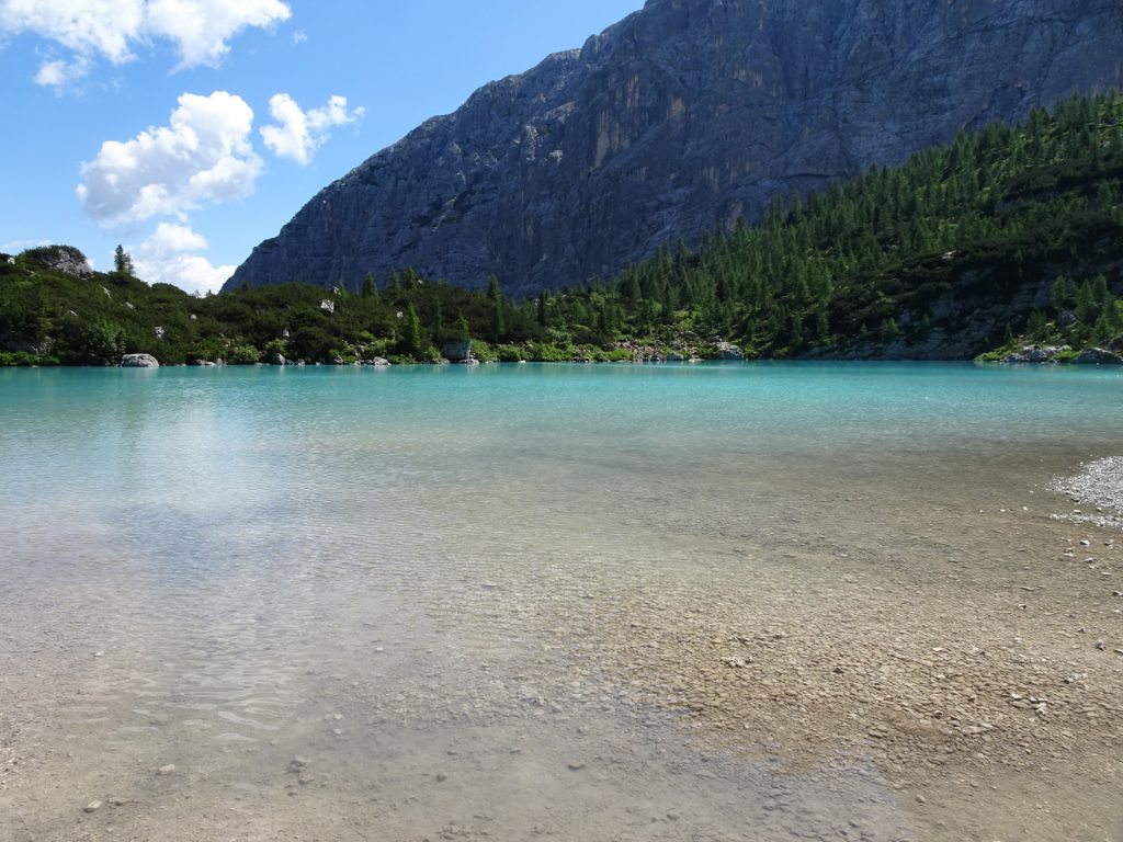 """At the far rear shore of the """"Sorapis lake"""" (Largo del Sorapis)"""