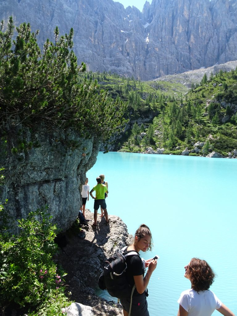 "Crowded cliffs at the ""Sorapis lake"" (Largo del Sorapis)"
