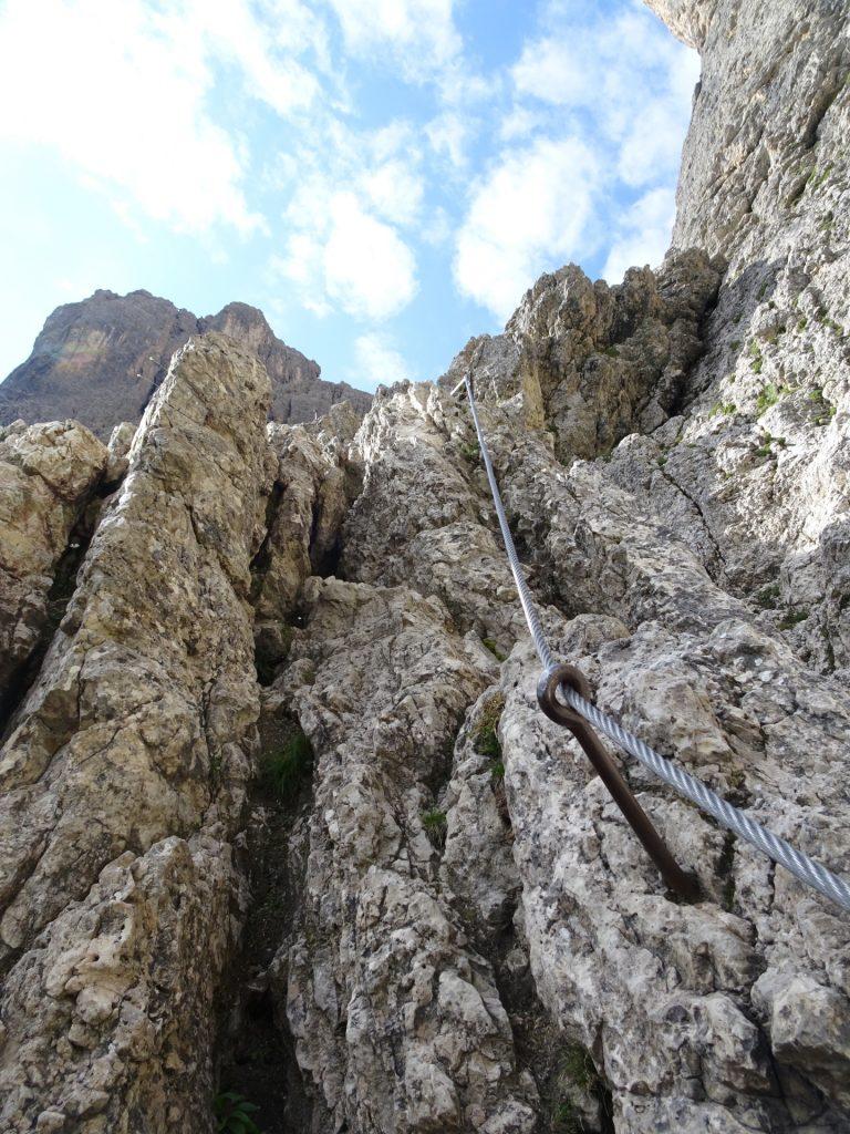 Partly exposed ridge (B)