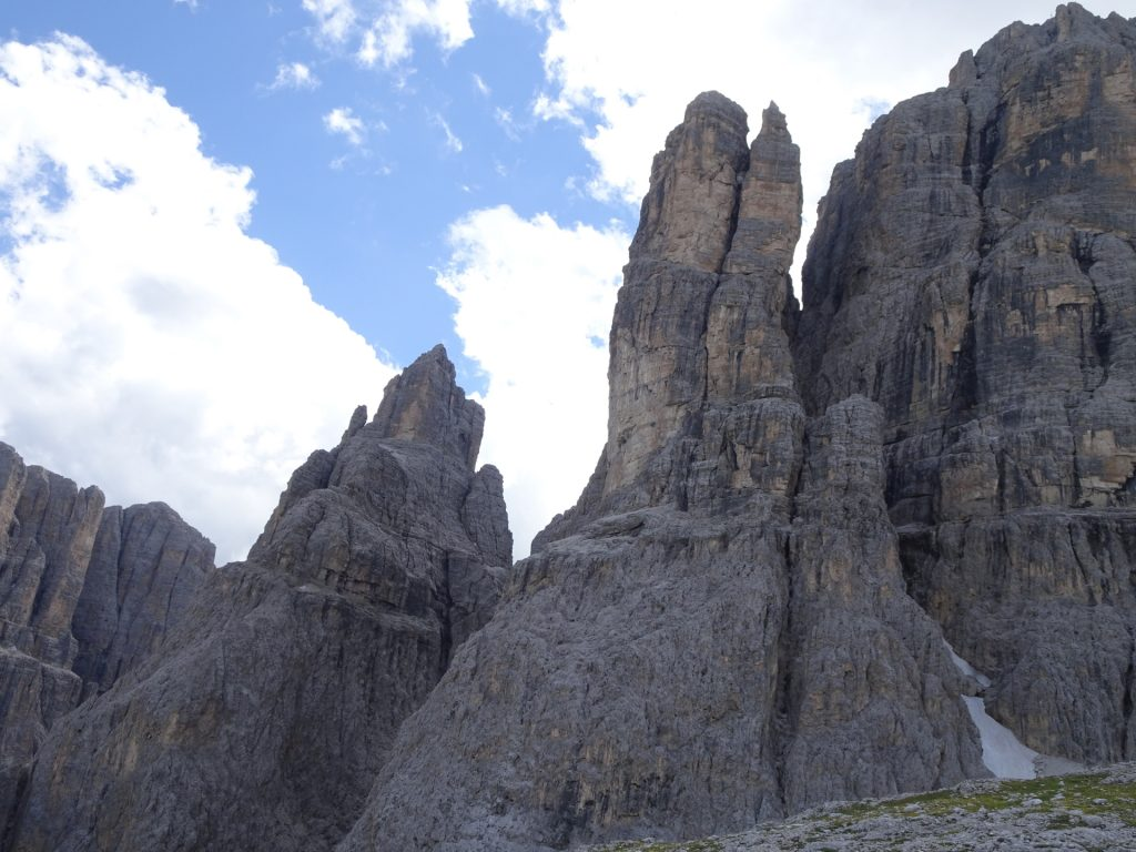 Amazing rock formation seen from the trail