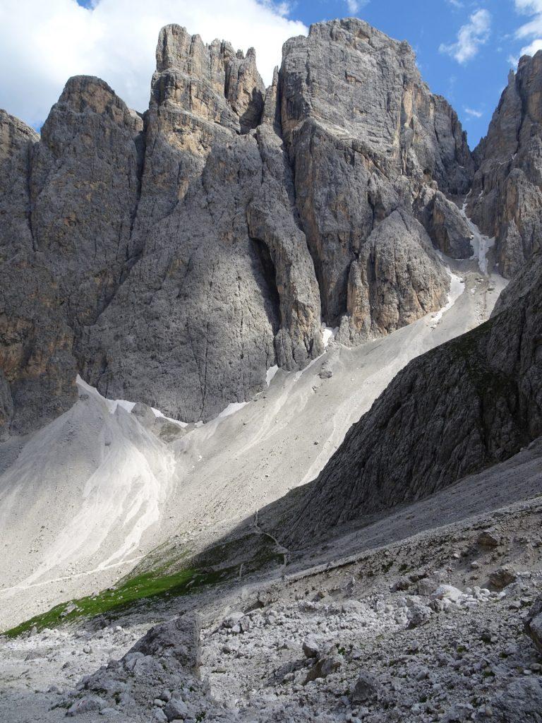 "Trail downwards towards ""Mittagstal"""