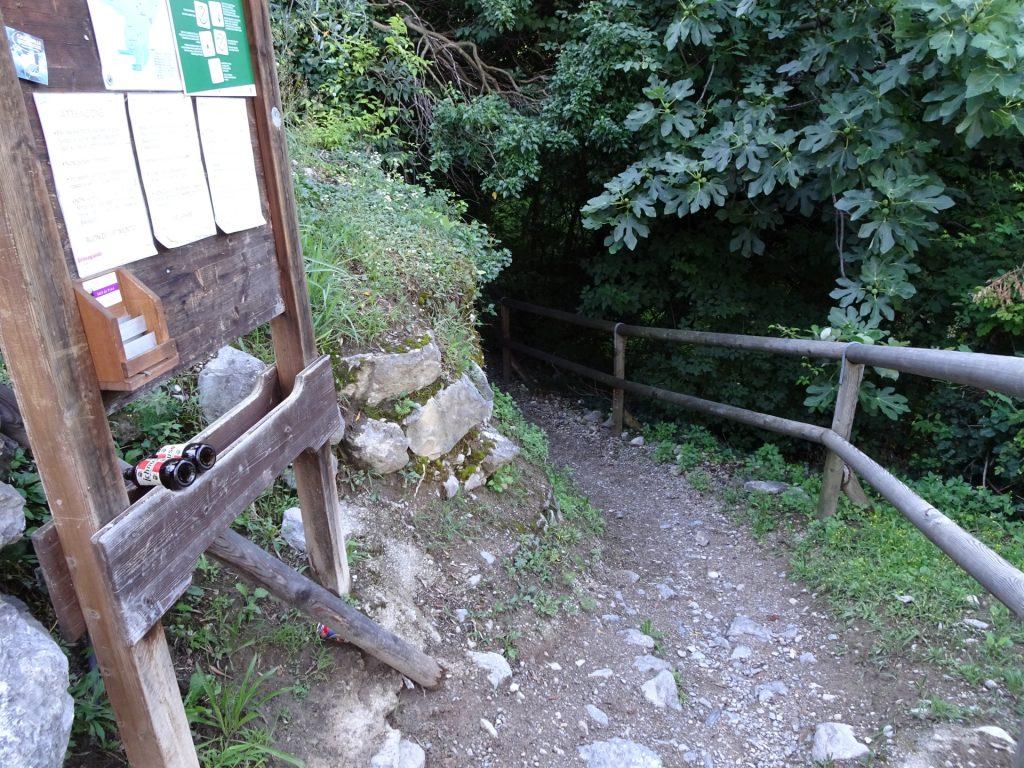 Follow this trail towards the via ferrata