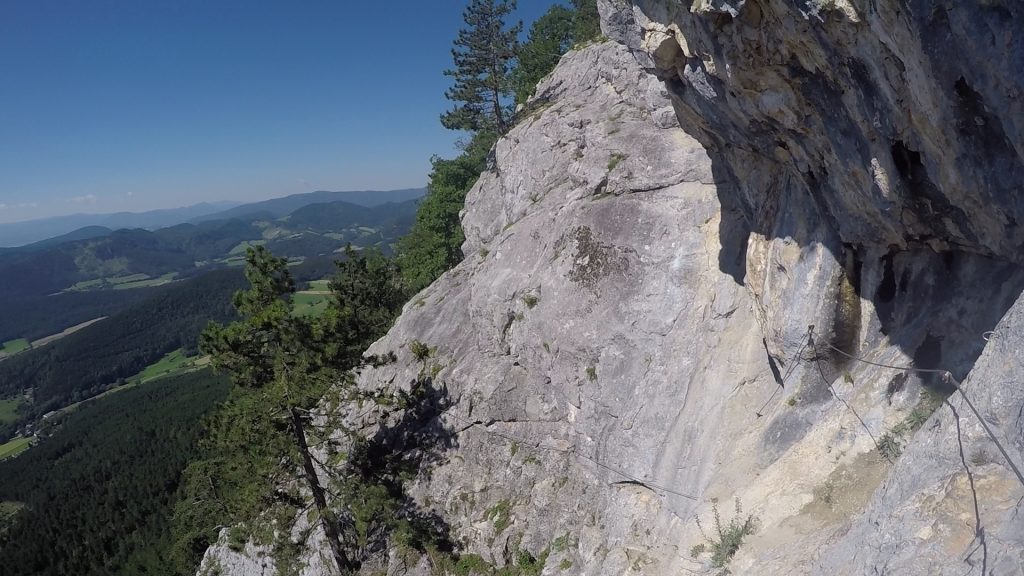 Steirerspur: At the exposed traverse (C)