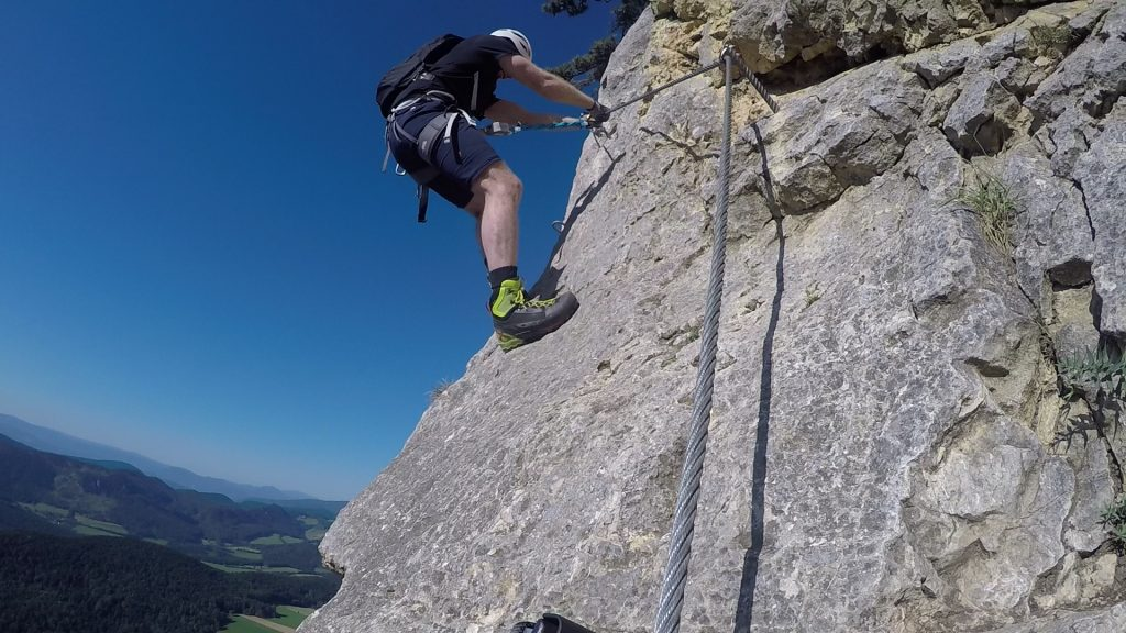 GV-Steig (Crux): the slippery and exposed traverse (between (5) & (6), C)