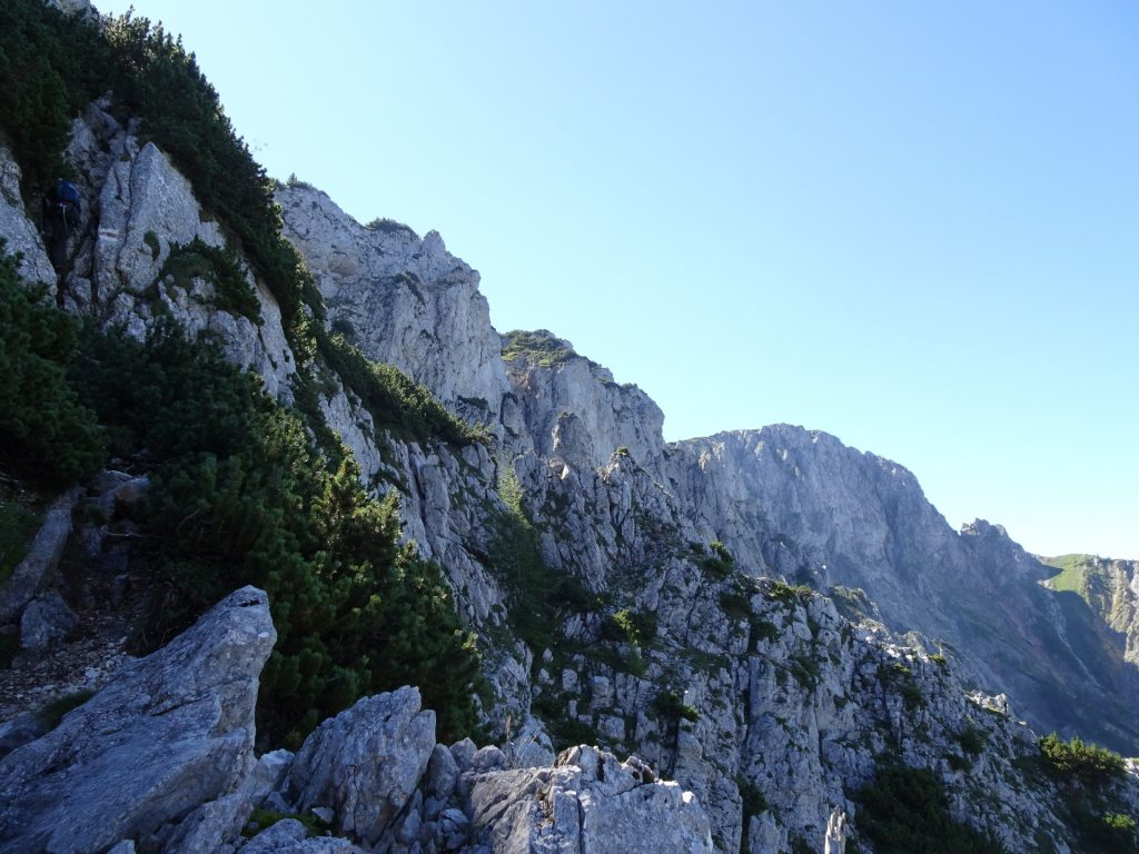 Steep climbing part (left) but amazing view