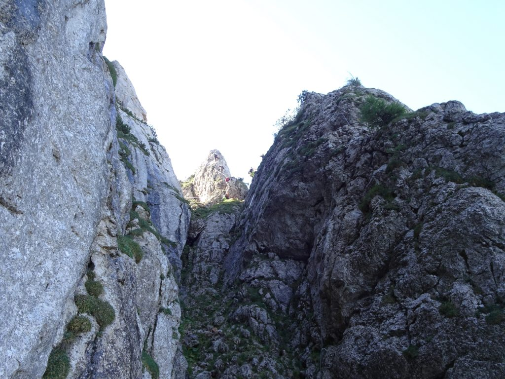 View at the headwall with the crux (right path)