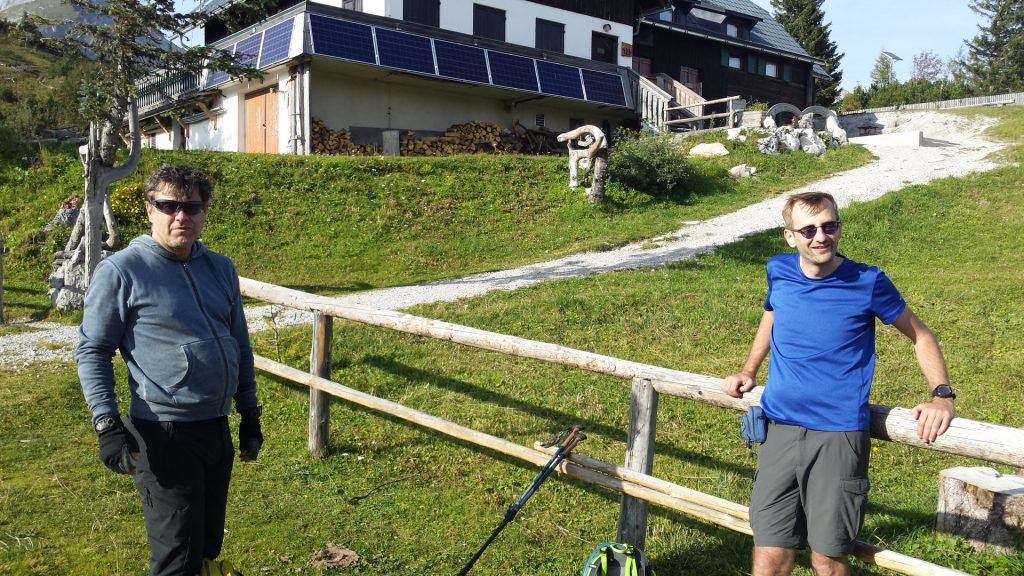 "Short break at the (closed) ""Sonnschienhütte"""