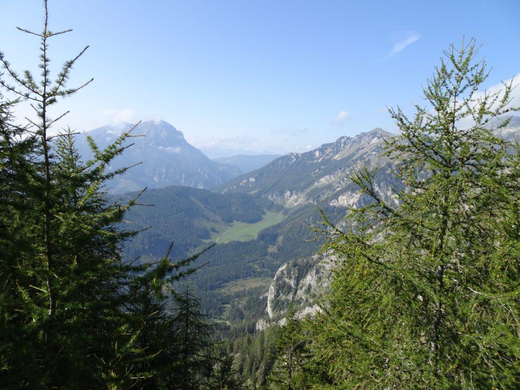 """View from the trail towards the """"Eisenerzer Reichenstein"""""""