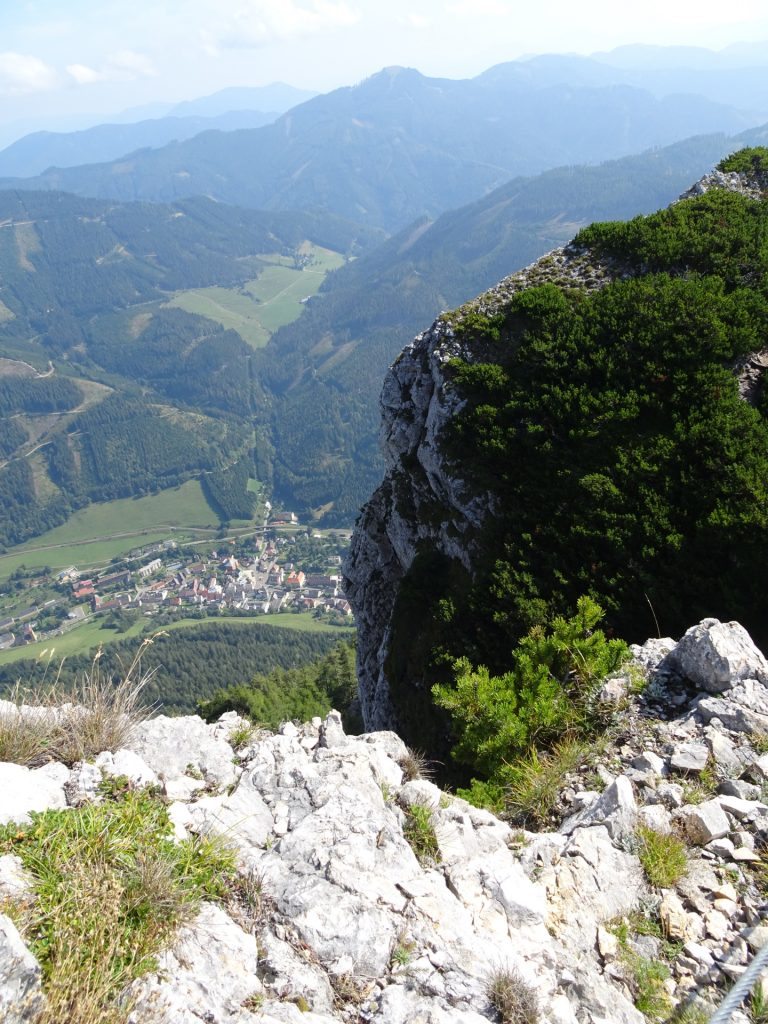 "View downwards from the ""Grete Klinger Steig"""
