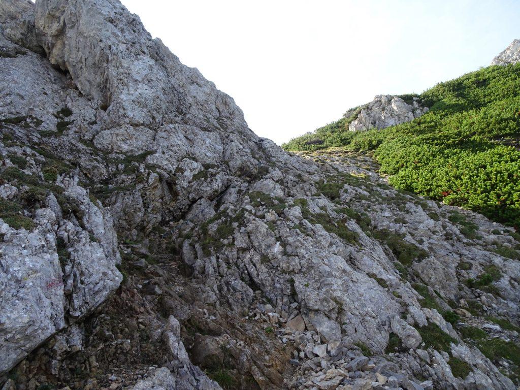 An easy climbing passage (A/B)