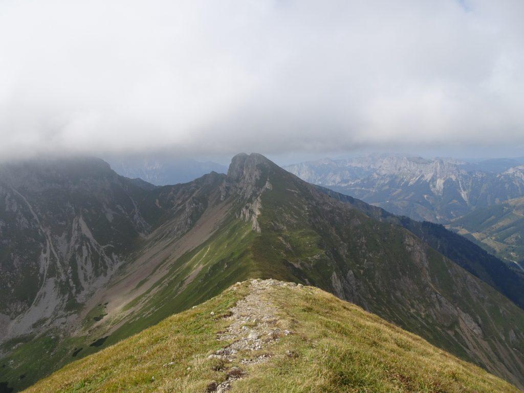 """View from the """"Vordernberger Zinken"""" (2003m) towards """"Grübelzinken"""""""