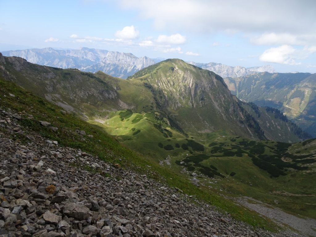 """View from the trail (traverse) towards """"Eisenerzer Reichenstein"""""""