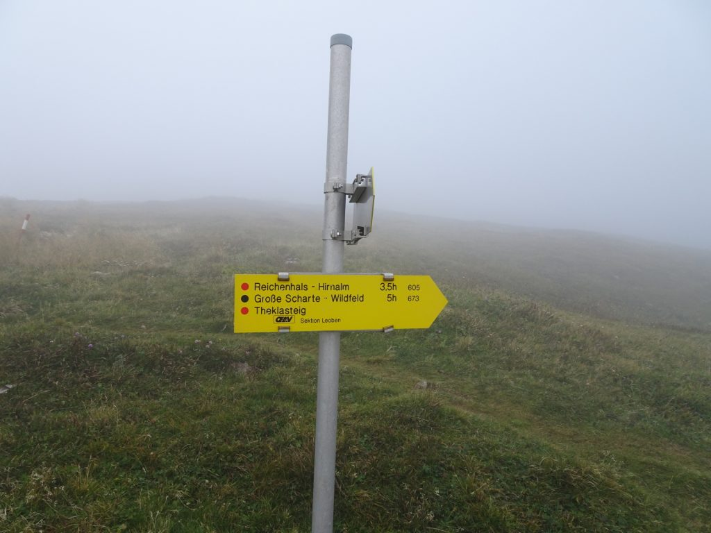 """During foggy conditions, skip the detour towards the view point and follow trail &quot:605"""" towards &Reichenhals - Hirnalm"""""""