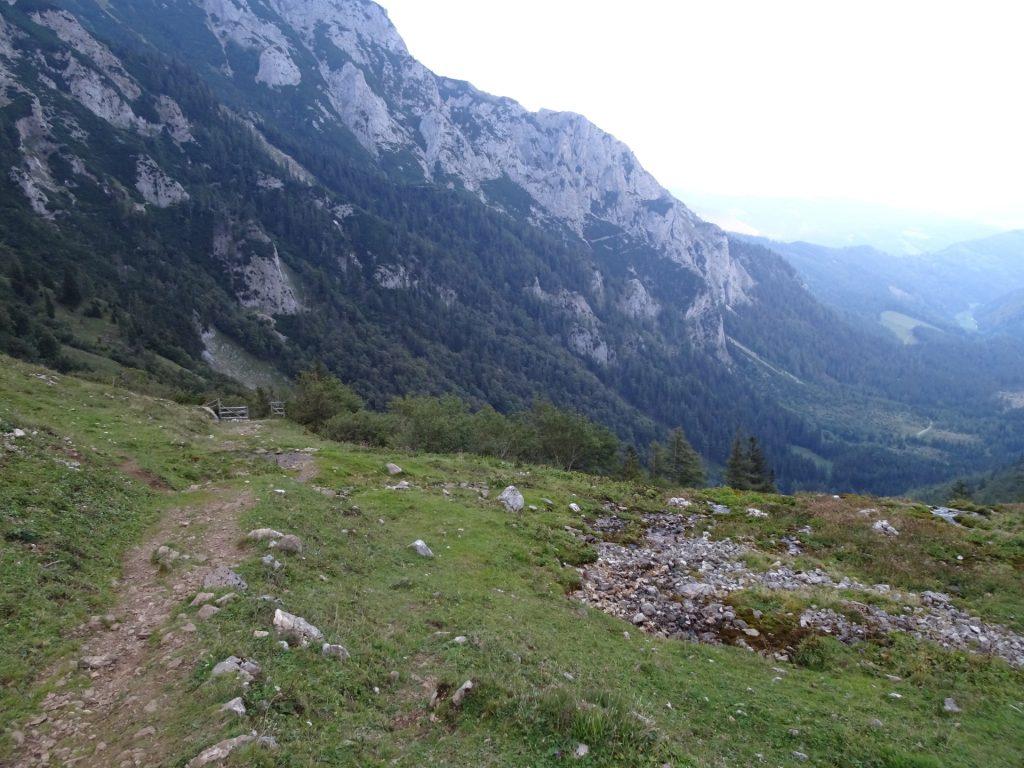 "Follow the trail next to the ""Krumpenbach"" waterfalls"