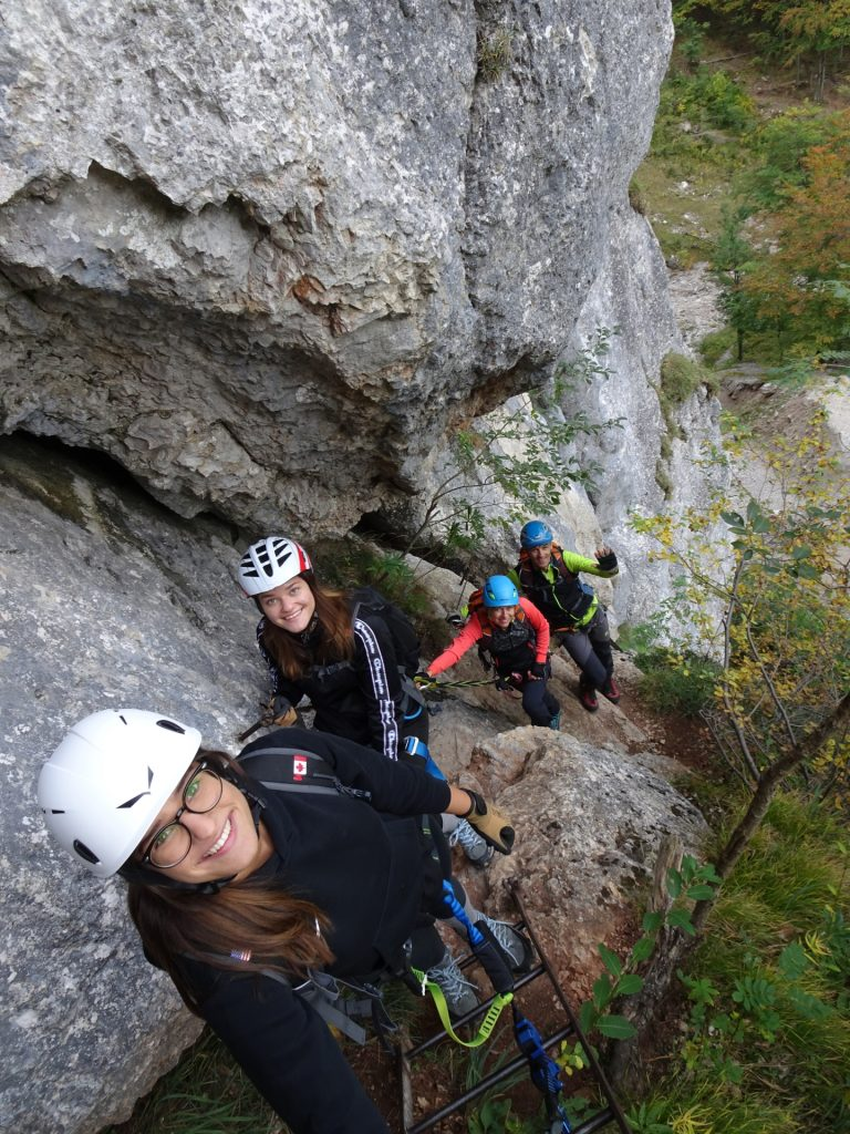 Saskia, Amelie, Marion and Thomas are enjoying the climb