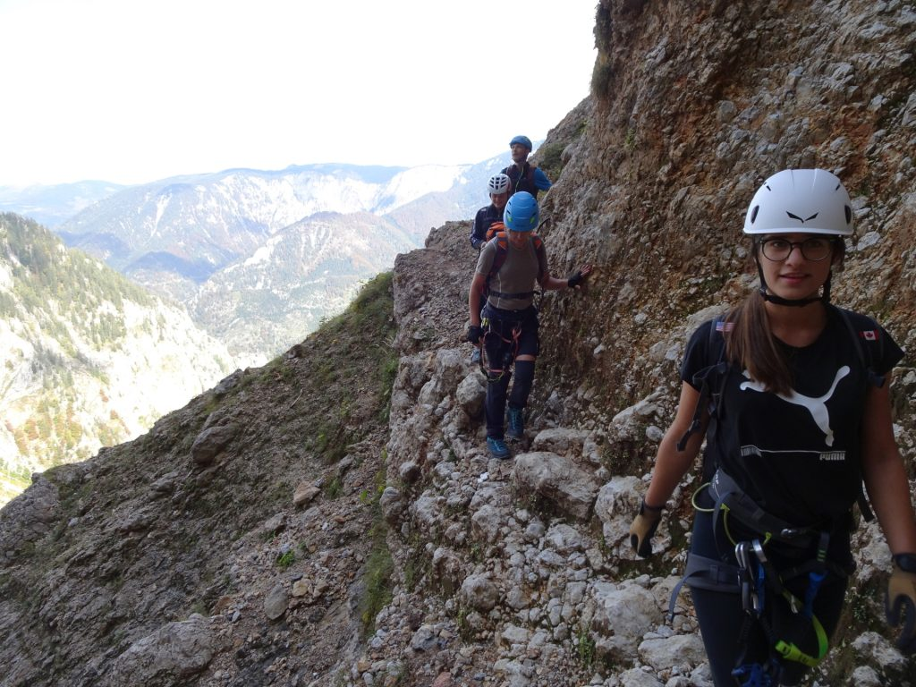 On the traverse towards the channel