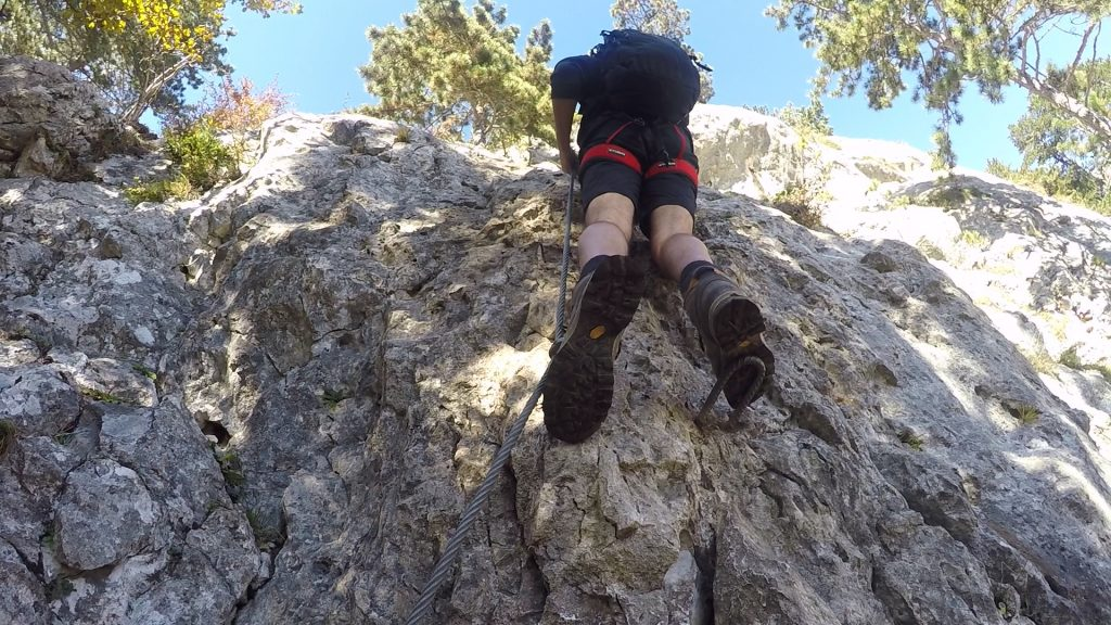 """GV-Steig: Bernhard on the first meters of the last part ((12), C/D) after the \""""Kyselak\"""" rest area"""