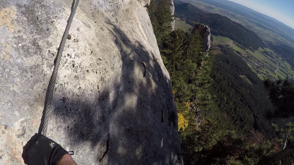 GV-Steig: The exposed and slippery traverse ((13), C)