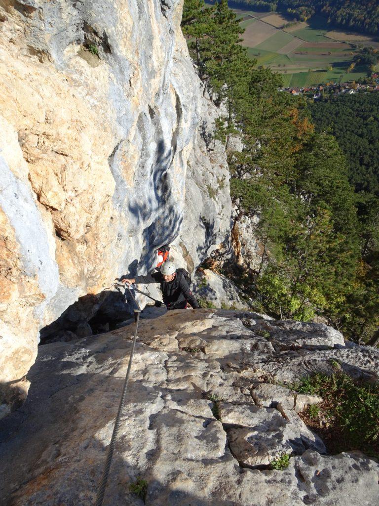 Steirerspur: Bernhard and Hans climbing up the ramp (C)
