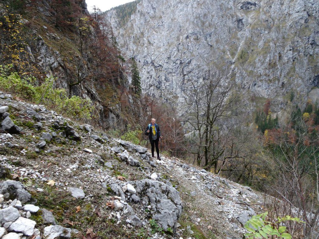 "Herbert on the trail towards the ""Hoyossteig"" via ferrata"