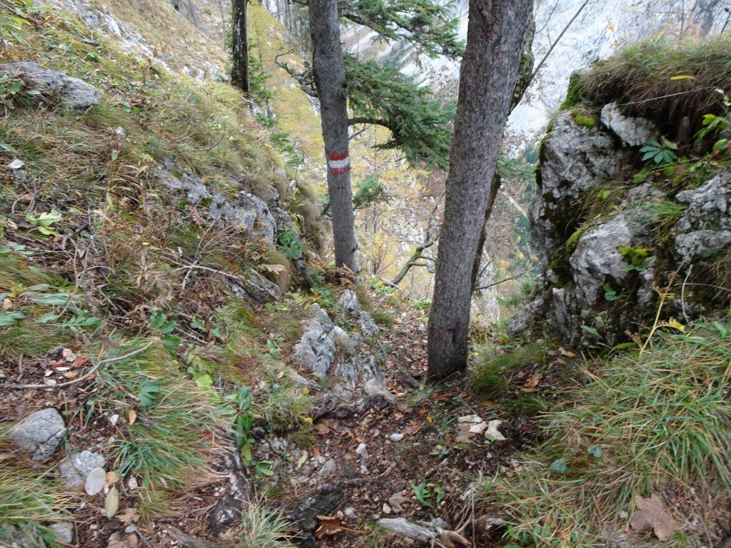 Climbing down towards the traverse