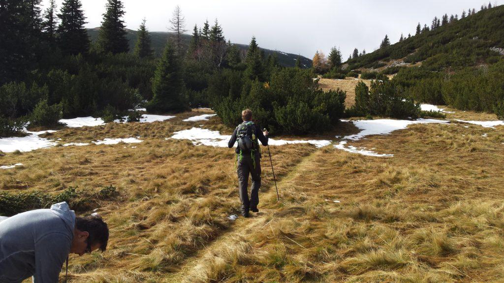 "Stefan and Robert on the trail towards ""Klobentörl"""
