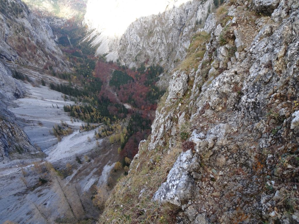 "View downwards into the ""Höllental"" from the ""Gustav-Jahn-Steig"""