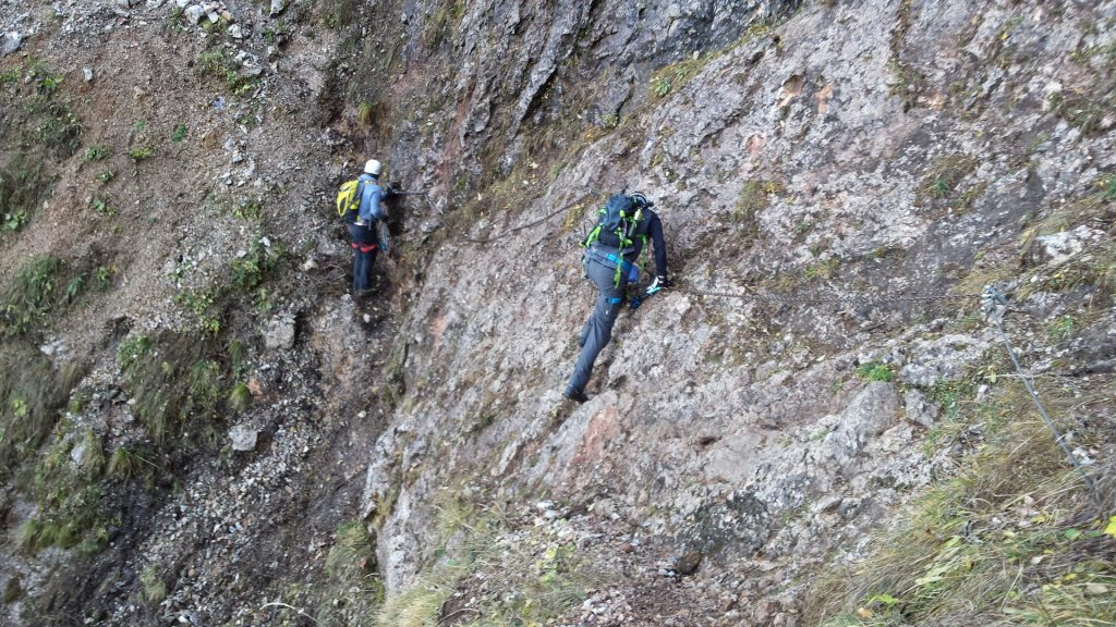 """The crux of """"Gustav-Jahn-Steig"""": A slippery traverse protected with a chain"""