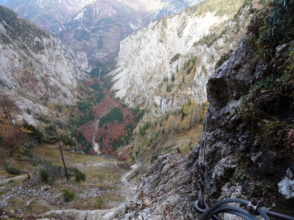 """View into the """"Höllental"""" from the """"Elsa-Rast"""""""