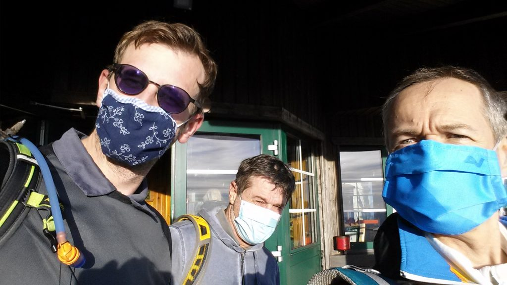 Masks required before entering the cable car due to COVID-19