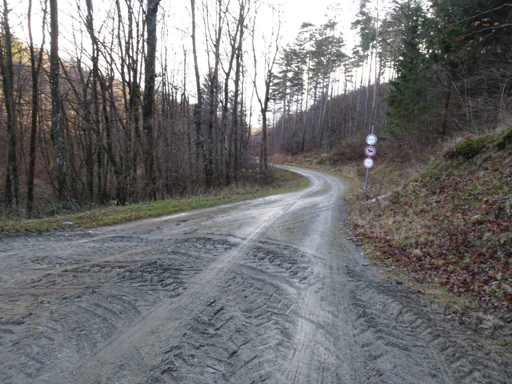 Hard turn left here!!!